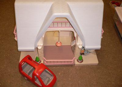 CCR000412 Dolls House
