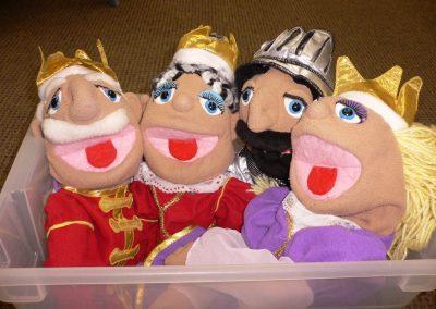 CCR001305 Castle Puppets