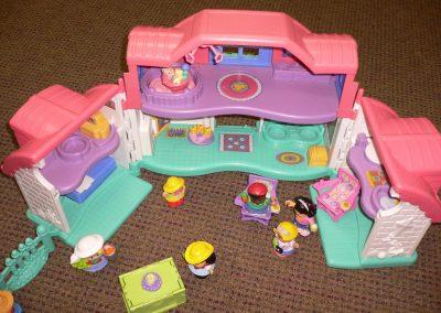 CCR001933 Dolls House