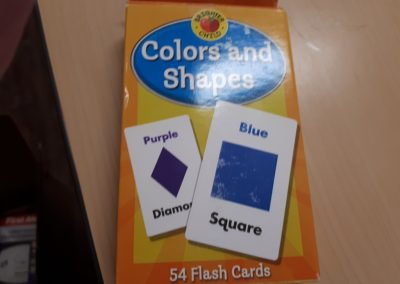 CCR002556 Flash Cards Colors and Shapes