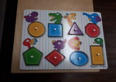 CCRR002281 Shapes Peg Puzzle