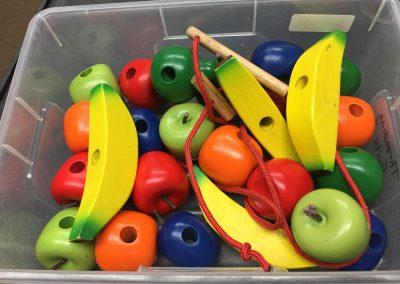 SCA004045 Threading Fruits Set